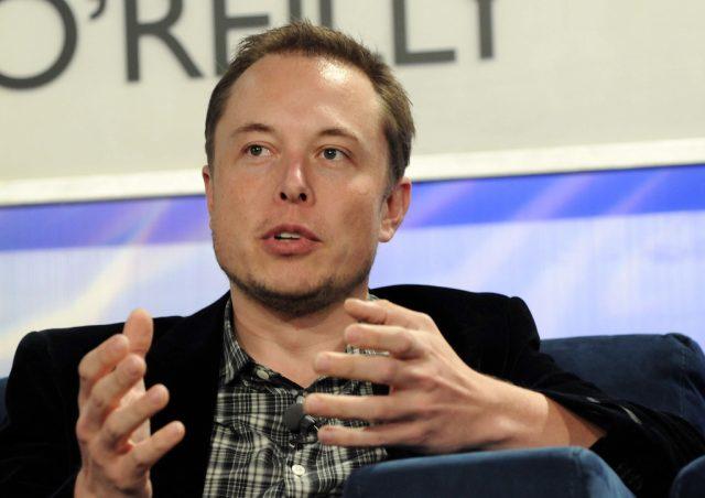 Tesla saksøker tidligere ansatt for milliardbeløp