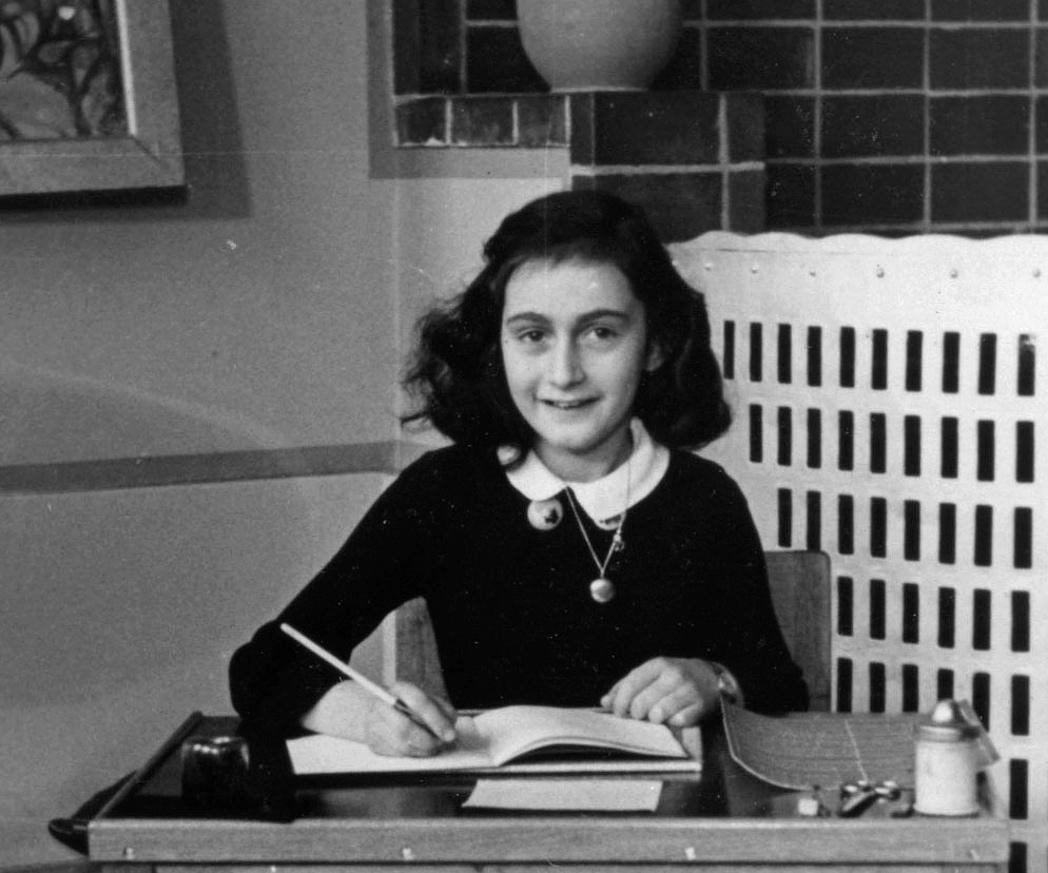 Skal bruke AI for å løse mysteriet om hvem som anga Anne Frank-familien