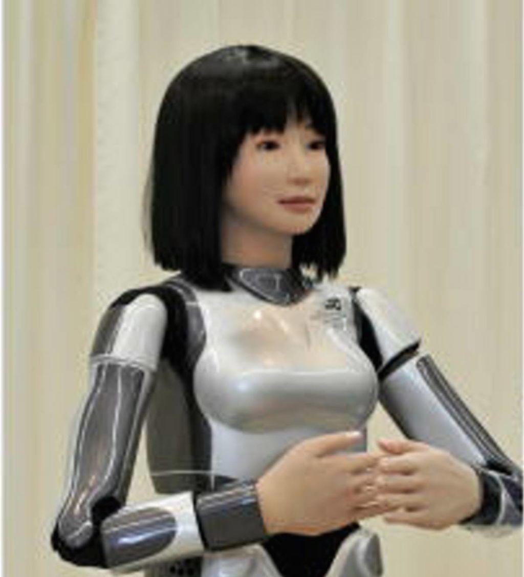 """Kinesisk mann har """"giftet seg"""" med robot han selv har laget"""