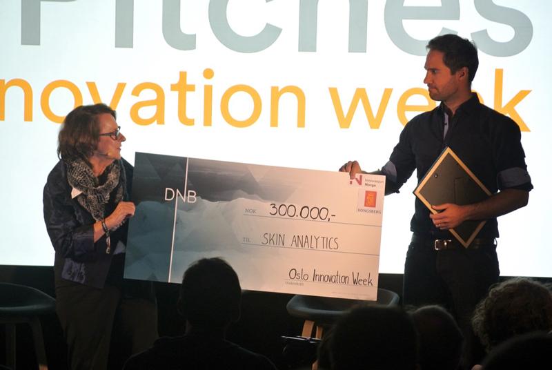 Skin Analytics kåret til årets oppstartsbedrift 2015 under Oslo Innovation Week (OIW).