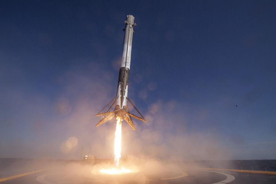Her er SpaceX nye romdrakt: – Vanskelig å balansere estetikk og funksjon