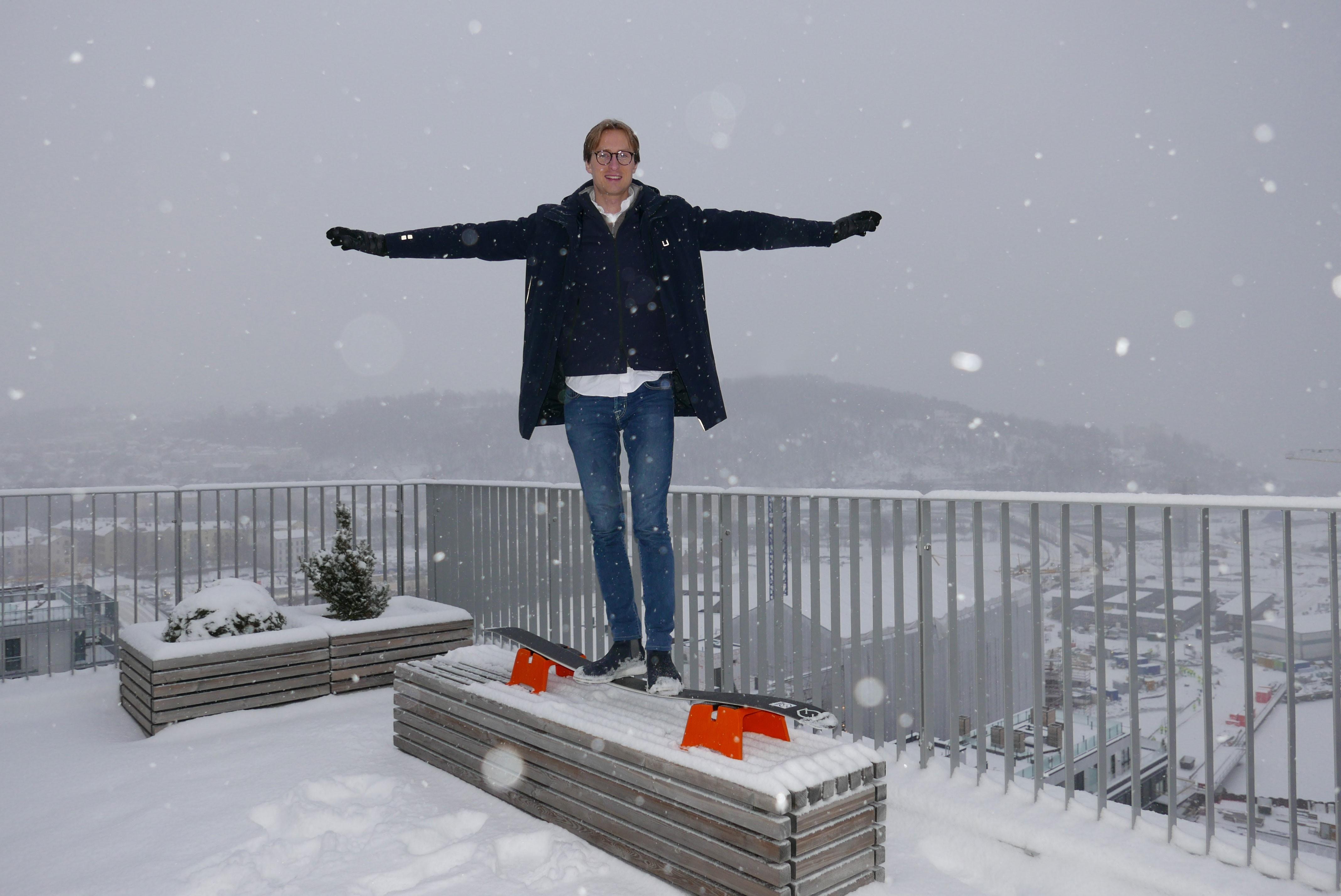 Erobrer ski-verden med orange bukker