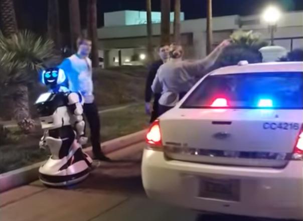 Robot kjørte på robot